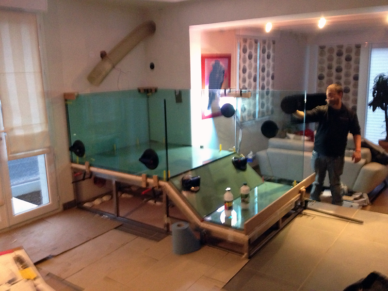installation thermique fabriquer son aquarium sur mesure restaurant. Black Bedroom Furniture Sets. Home Design Ideas