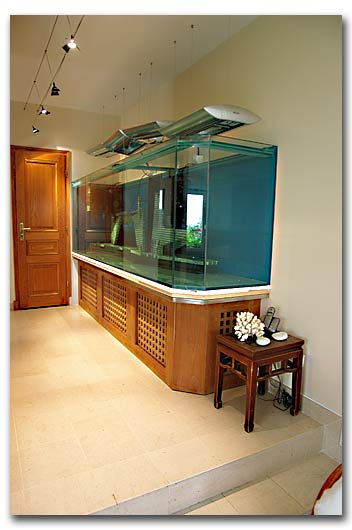 la fabrication d 39 aquarium par abri sous roche. Black Bedroom Furniture Sets. Home Design Ideas